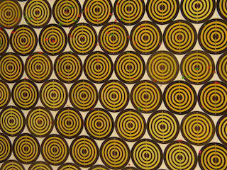 Gold circle patterns